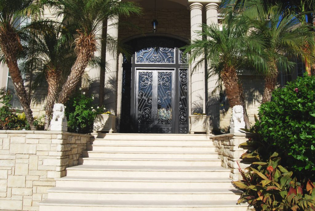 slideshow-small-entrances